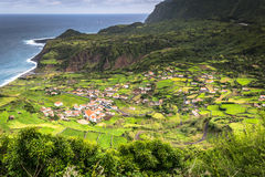 Azores kustlinjelandskap i stora Faja, Flores ö Portug Royaltyfria Bilder