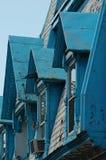 Azotea azul vieja en Montreal. Fotografía de archivo