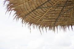 Azotea cubierta con paja Imagen de archivo