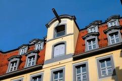 Azotea de azulejo rojo en Leipzig, Alemania Fotografía de archivo