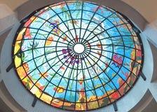 Azotea del vidrio manchado en el hotel Foto de archivo