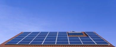 Azotea fotovoltaica Fotografía de archivo libre de regalías