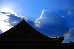 Azotea y nubes fotos de archivo libres de regalías