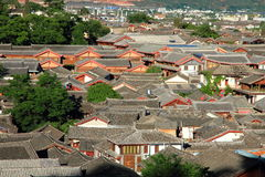 Azoteas de la ciudad vieja del lijiang, yunnan, China Fotografía de archivo