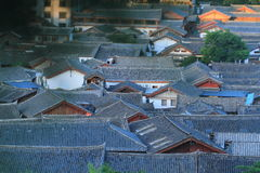 Azoteas de la ciudad vieja del lijiang, yunnan, China Foto de archivo