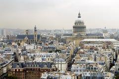 Azoteas de París con el panteón Foto de archivo