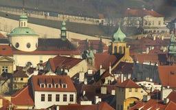 Azoteas y torres de Praga Imágenes de archivo libres de regalías