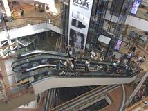 Azrieli eleva-se shopping em Tel Aviv, Izrael foto de stock royalty free