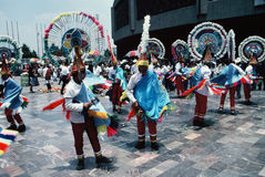 Aztekische Tänzer-Mexiko Stadt Stockfotos