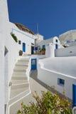 Azul & branco bonitos em Imerovigli, Santorini Imagens de Stock Royalty Free