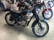 Azul 1971 da motocicleta de Triumph do vintage Fotografia de Stock