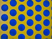 Azul de Dot Pattern With Yellow And da polca imagens de stock royalty free
