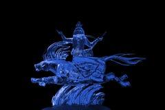 Azul de la escultura de hielo de los Immortals y de Pegaso Imagen de archivo