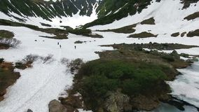 ` Azul de los lagos del ` del parque natural, Kamchatka almacen de video