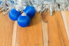 Azul decorado pelo Natal e o ano novo Imagens de Stock Royalty Free