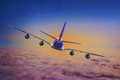 Azul do fundo do plano da velocidade de ar da aviação do céu do curso da nuvem do avião foto de stock