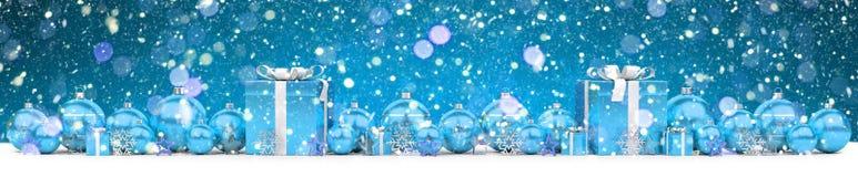 Azul e de presentes e de quinquilharias 3D do White Christmas rendição Foto de Stock Royalty Free