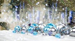 Azul e de presentes e de quinquilharias 3D do White Christmas rendição Imagens de Stock