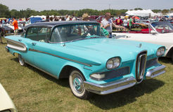 1958 azul Edsel Citation Side View Imagenes de archivo