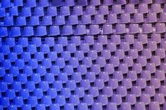 Azul a la pendiente púrpura del color de los asientos vacíos del estadio Fotografía de archivo