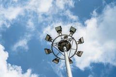 Azul y nubes de cielo Imagenes de archivo