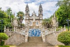 Azulejo装饰了楼梯对我们的Remedios的夫人圣所在Lamego,葡萄牙 库存图片