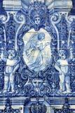 Azulejo antiguo en la ciudad de Oporto, Portugal. Imagen de archivo libre de regalías