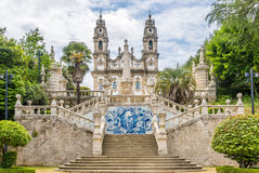 Azulejo dekorerade trappan till fristaden av vår dam av Remedios i Lamego, Portugal Arkivbilder