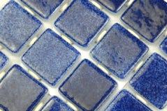 Azulejos azules de cerámica Fotos de archivo