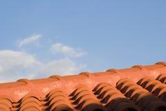 Azulejos de azotea rojos, Kefalonia, septiembre de 2006 Fotos de archivo