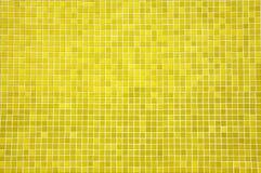 Azulejos de mosaico amarillo Fotografía de archivo