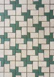 Azulejos de mosaico verdes y blancos Fotografía de archivo