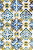 Azulejos esmaltados portugueses tradicionales Fotos de archivo