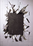 Azulejos quebrados de la pared Fotografía de archivo