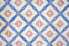 Azulejos - tradycyjny dekoracyjny glazurujący kawałek ceramika Lisbon, Portugalia zdjęcia stock