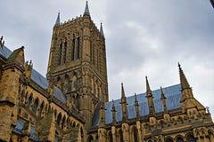 Azules de enero, en el lado hacia el oeste de Lincoln Cathedral fotos de archivo libres de regalías