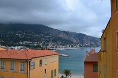` Azur da costa D Menton em França imagens de stock