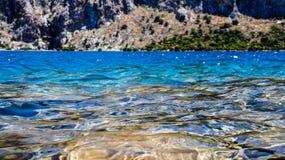 Azur góry i morze Zdjęcia Stock