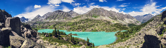 Azure Mountain lake Royalty Free Stock Photography