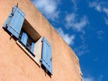 azure provence fönster royaltyfria foton