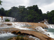 Azure Waterfalls intelligente d'Agua Azul Photo libre de droits