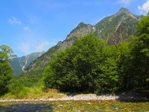 Azusa river and Hotaka mountains in Kamikochi, Nagano, Japan Stock Photography