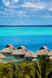 Azuurblauwe lagune van eiland, Polynesia Royalty-vrije Stock Fotografie