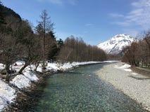 Azuza rzeka w Kamikochi parku narodowym Zdjęcie Royalty Free