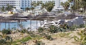 azzure水的看法和Nissi在Aiya纳帕,塞浦路斯靠岸 库存照片
