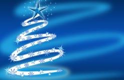 Azzurro dell'albero di Natale con le stelle ed i fiocchi di neve Fotografia Stock