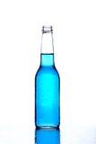 Azzurro della bottiglia su bianco Fotografie Stock Libere da Diritti