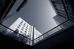 Azzurro di cielo bianco di architettura fotografie stock libere da diritti