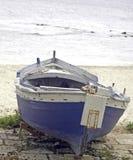Azzurro e bianco della barca Immagine Stock