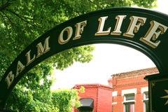 Bálsamo del arco de la vida - parque de la ciudad imágenes de archivo libres de regalías